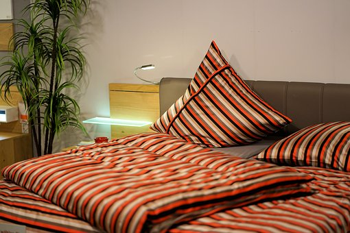 bedroom-3102376__340