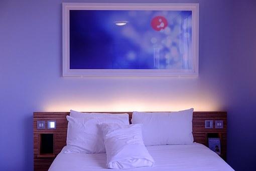 bedroom-1285156__340